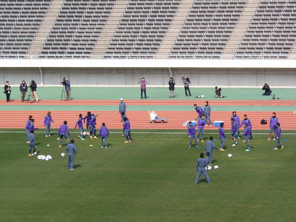 エディオンスタジアム広島で調整するサンフレッチェ広島イレブン