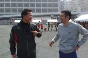 球場跡地イベントの為末さんは大野豊さんと談笑j
