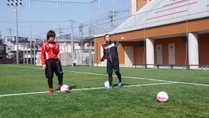 広島経済大学西迫選手に指示する横道監督