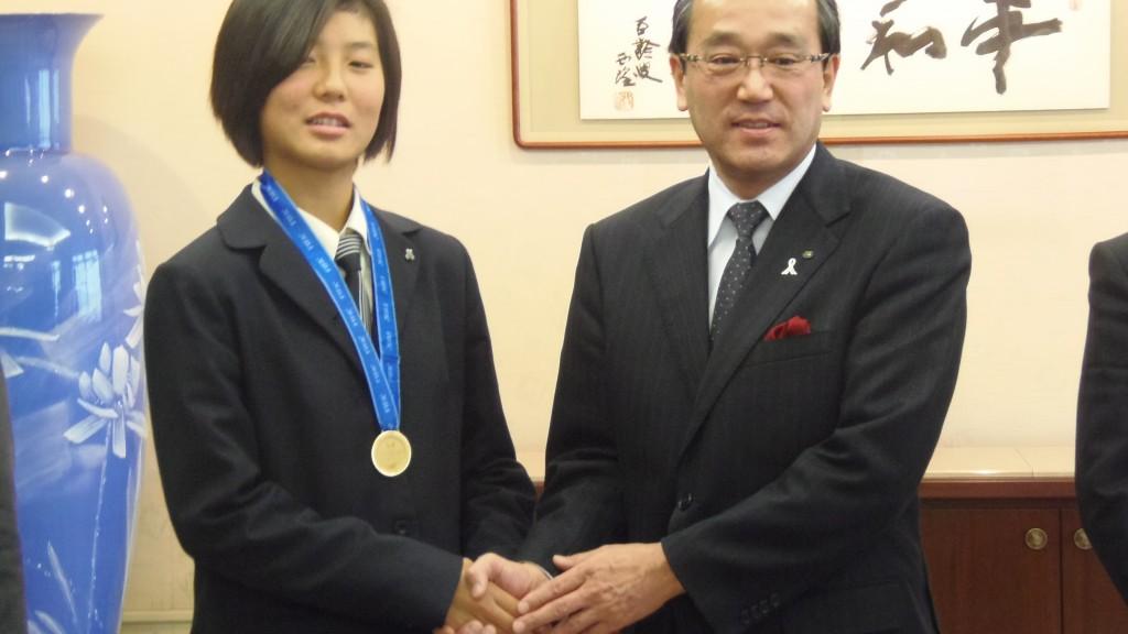 斎原みず稀さんと松井市長