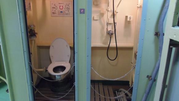 てつのくじら艦内にあるトイレの再現