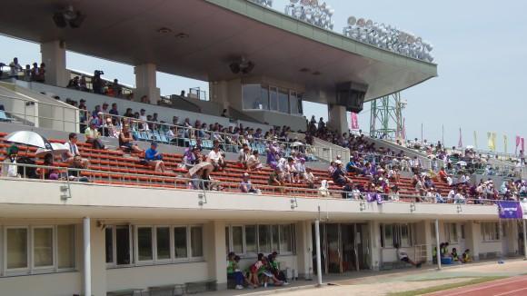広島スタジアムのアンジュサポ―ター