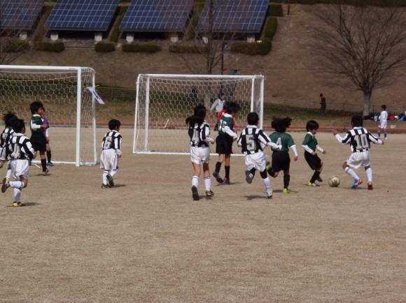 広島広域公園補助競技場で開催された小学生大会