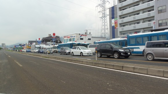 八木地区へ向かう特殊車両