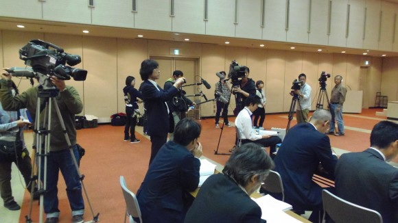 第18回スタジアム協議会には多くの報道陣が集まった