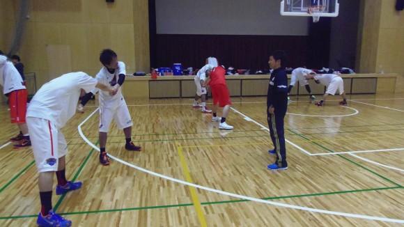 森田トレーナーと広島ドラゴンフライズ選手