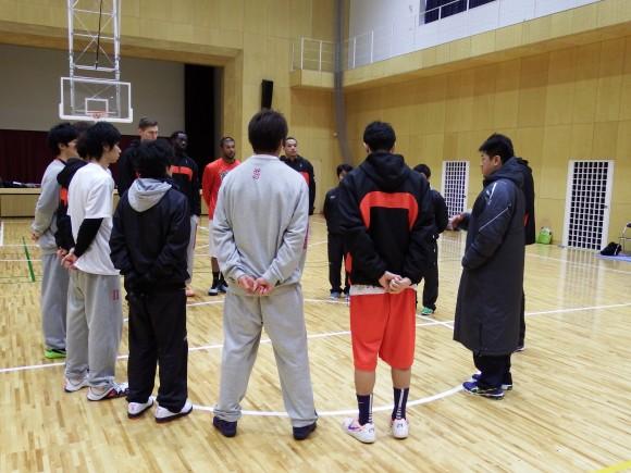 広島ドラゴンフライズ準決前の練習で集合