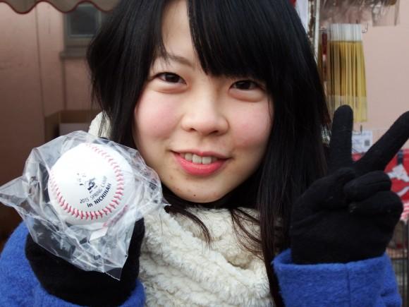 カープ女子人気の日南オリジナルボール