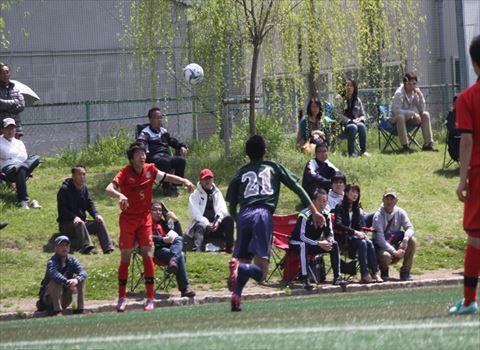 高円宮杯U-18サッカーリーグ2015プリンスリーグ中国の第2節が、2015年4月11日に皆実高校で行われていました。2試合とも好カードとなり、沢山の観客がつめかけました。
